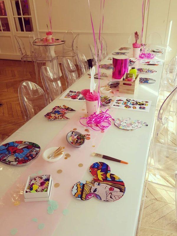 enfant pop art atelier table chaise dessins